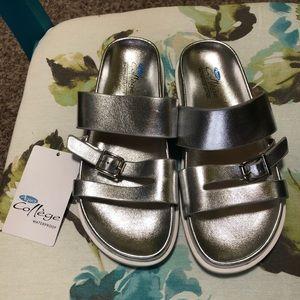 Aqua College waterproof silver sandals